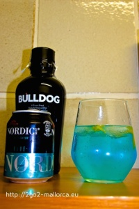 Bulldog & Nørdic Blue Tonic