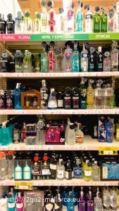 Gin Auswahl im Supermarkt