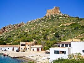 Hafen und Burg von Cabrera