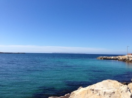 Cabrera am Horizont - flaches Meer - denken wir