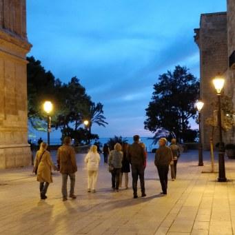 Nightwalk durch Palma mit Ana